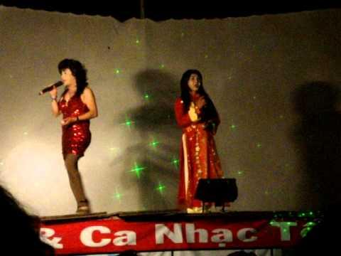 Mot chang trai bay len san khau vi sac dep nguoi the gioi thu ba !