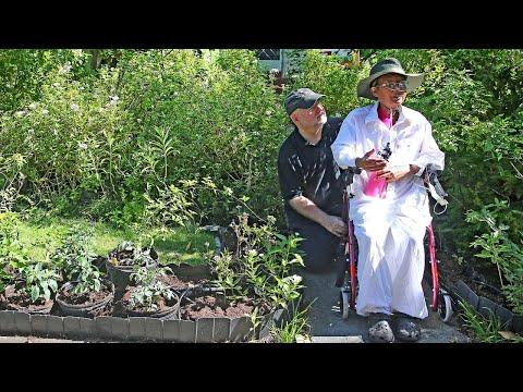 Front-yard veggie gardeners declare victory