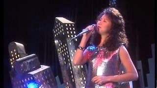TOPPOP: Akiko Kobayashi - Koi ni Ochite (Fall In Love)
