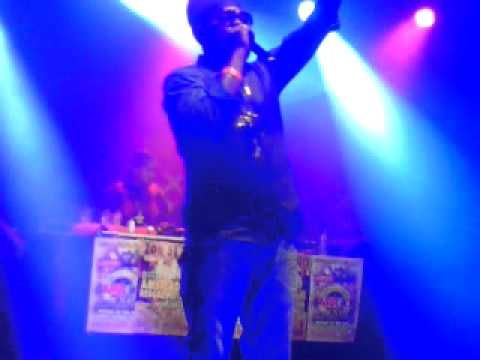 Pressure Buss Pipe - Make Up to Breakup live @ Amsterdam Outdoor Reggae Fest 2011