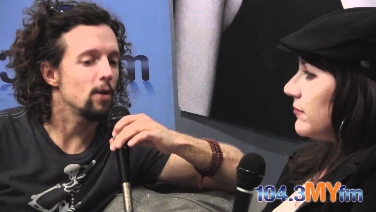 Jason Mraz On His Sexuality And His Experiences With Men