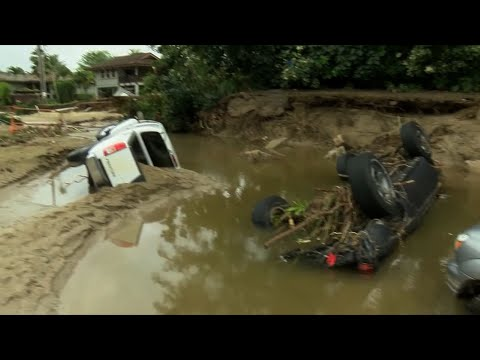 Raw: Hawaii Floods Recede, Leaving Damage Behind