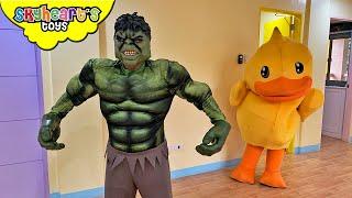 Hulk Pranks Giant Ducky!!