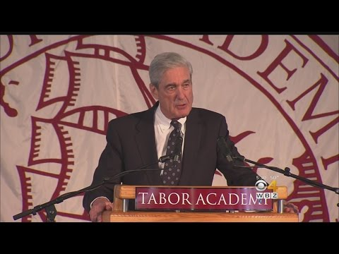 Robert Mueller, Set To Lead Russia Investigation, Preaches Integrity In Commencement Speech