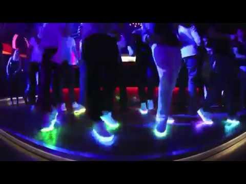 Светящиеся кроссовки в Алматы от МИР ПОДАРКОВ - YouTube