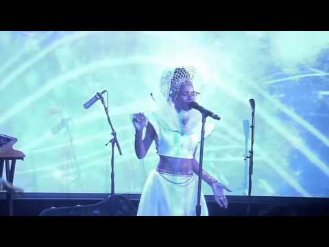 Lady Moon & The Eclipse -7.83 Hz (live at le poisson rouge)