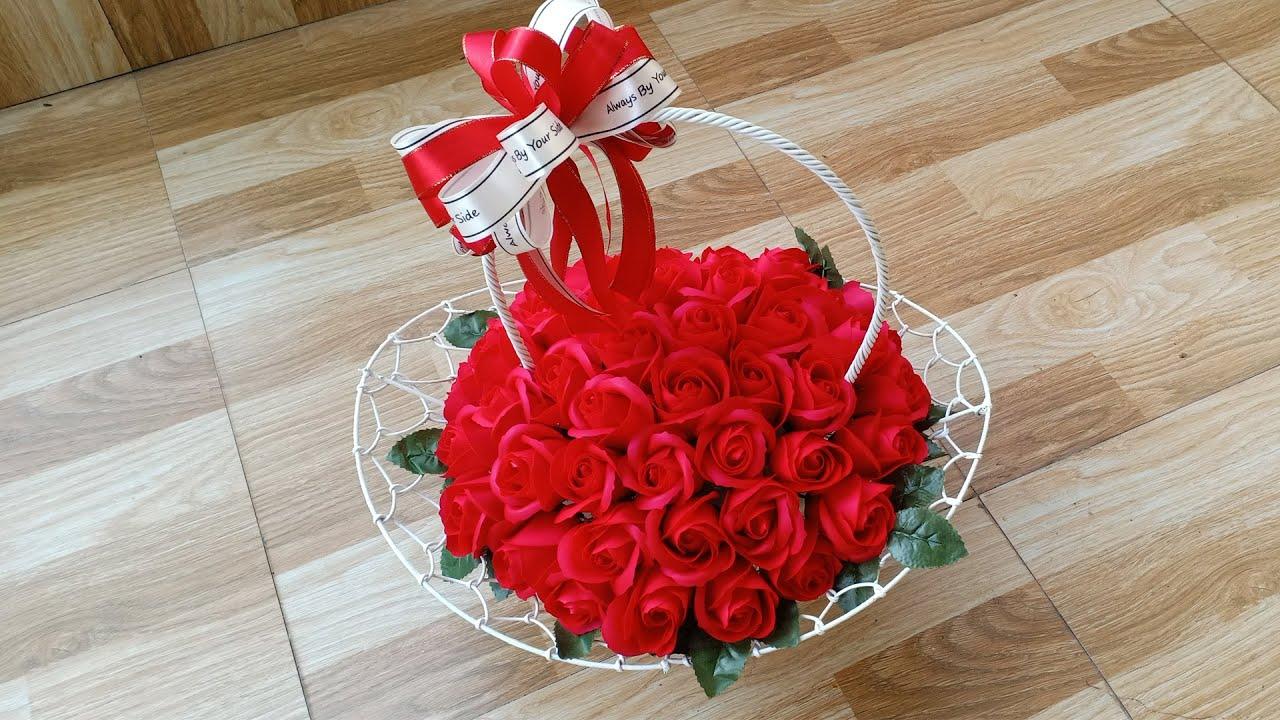 Cách cắm lẵng hoa hồng sáp tuyệt đẹp chỉ với 100k