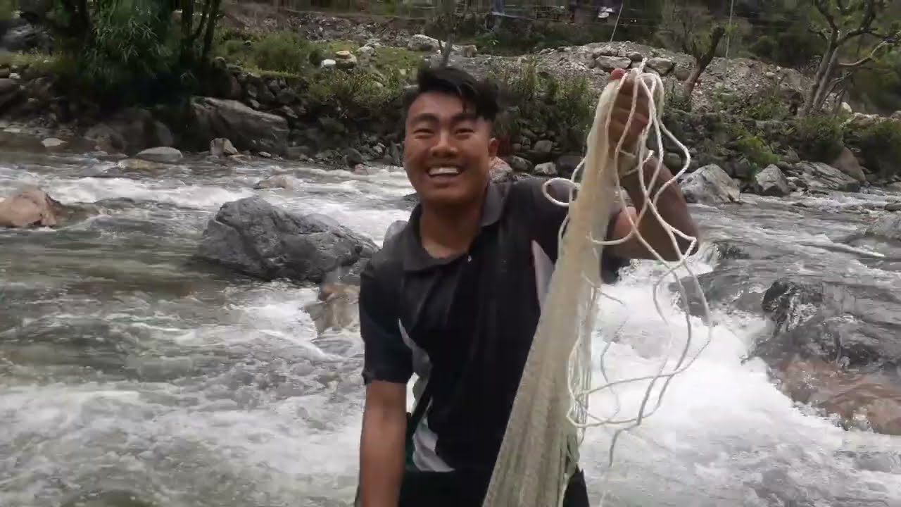 FISHING HIMALAYAN TROUT IN NEPAL | FISHING IN SMALL RIVER OF BAGLUNG | CAST NET FISHING | ASALA FISH