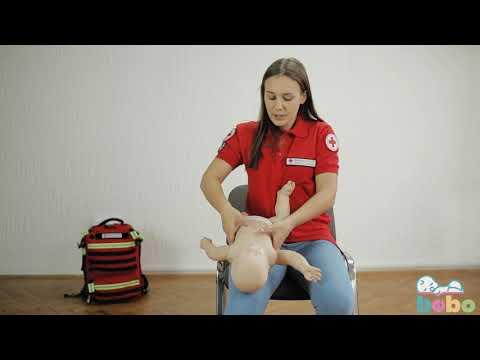 Kako pomoći bebi koja se guši?