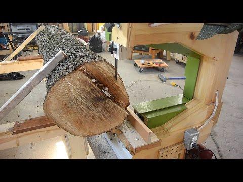 Bandsaw-on-a-dolly sawmill