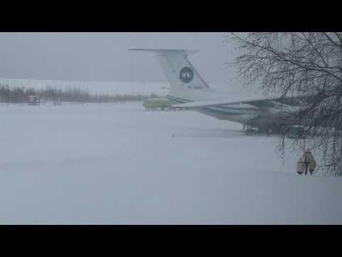 Старый добрый S7 | Boeing 737-800 S7 Airlines в аэропорту Мирный