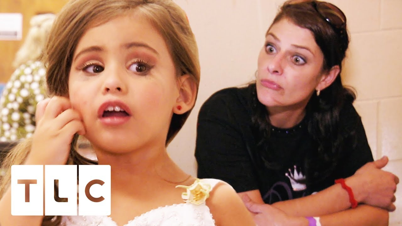 6c23d7e0f56 Three-Year-Old Pageant Queen Puts Her Mum On Time Out!
