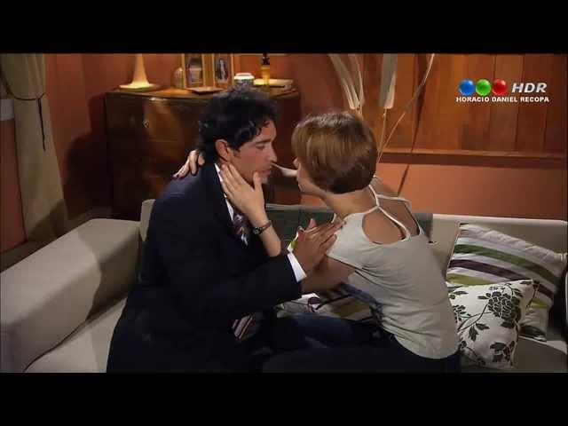 Dulce Amor - Lorenzo besa a Victoria, y Luciana besa a Marcos.