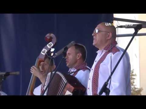 UA: ВОЛИНЬ: У Луцьку на Театральному майдані відбулись урочистості з нагоди дня захисника України