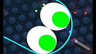 Slither.io 1 Tiny Pro Snake vs 1 Strong Troll Snake Epic Slitherio Gameplay!