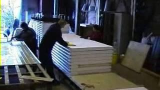 видео Как делают сэндвич панели. Конструкция сэндвич-панелей