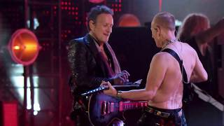 Def Leppard perform Rock of Ages at the 2019 Rock & Roll Hall of Fame Induction Ceremony