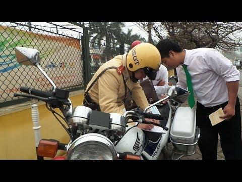 Đình chỉ nhiều cảnh sát giao thông Hà Nội liên quan'clip mãi lộ'