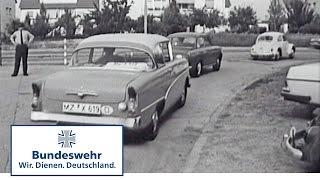 Classix: Leichtsinniges Verhalten von Soldaten im Straßenverkehr (1968) - Bundeswehr