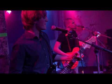 The Motion Poets - No Complaints (Live HQ)