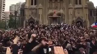 """""""El pueblo unido, jamás será vencido!"""" Chile Sandiago"""
