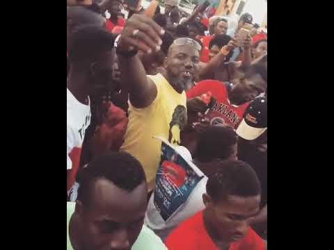 Massive crowd welcomes Stonebwoy to Sogakope