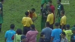Indonesian football player draws blood after punching referee