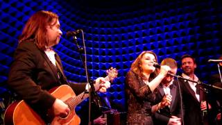 Fairytale Of New York, Russell Crowe &  Alan Doyle NYC Indoor Garden Party 3 Finale, Joe