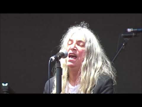 Patti Smith - Beds Are Burning, Live in Dublin 06/06/2018