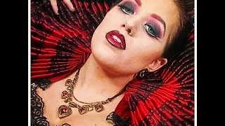 Queen of Hearts Makeup Sexy and Dark Thumbnail