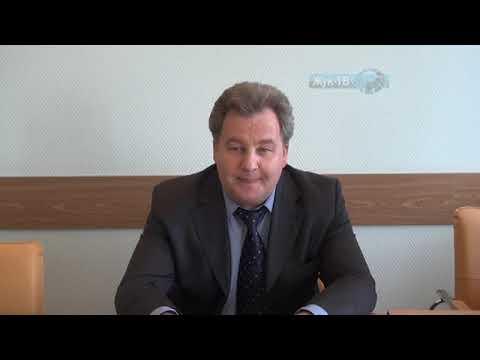 Директор МФЦ Ушкарев А.В. проинформировал жителей о развитии цифровой информации.