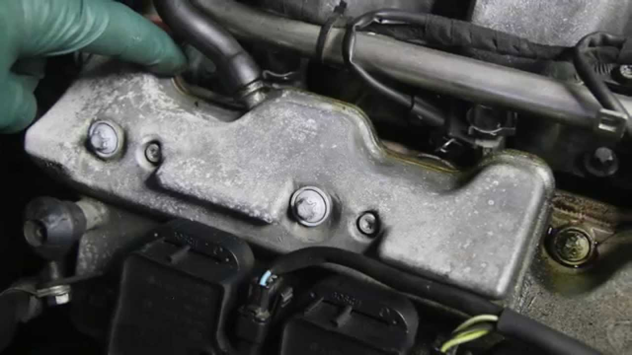 Car Valve Cover Leak