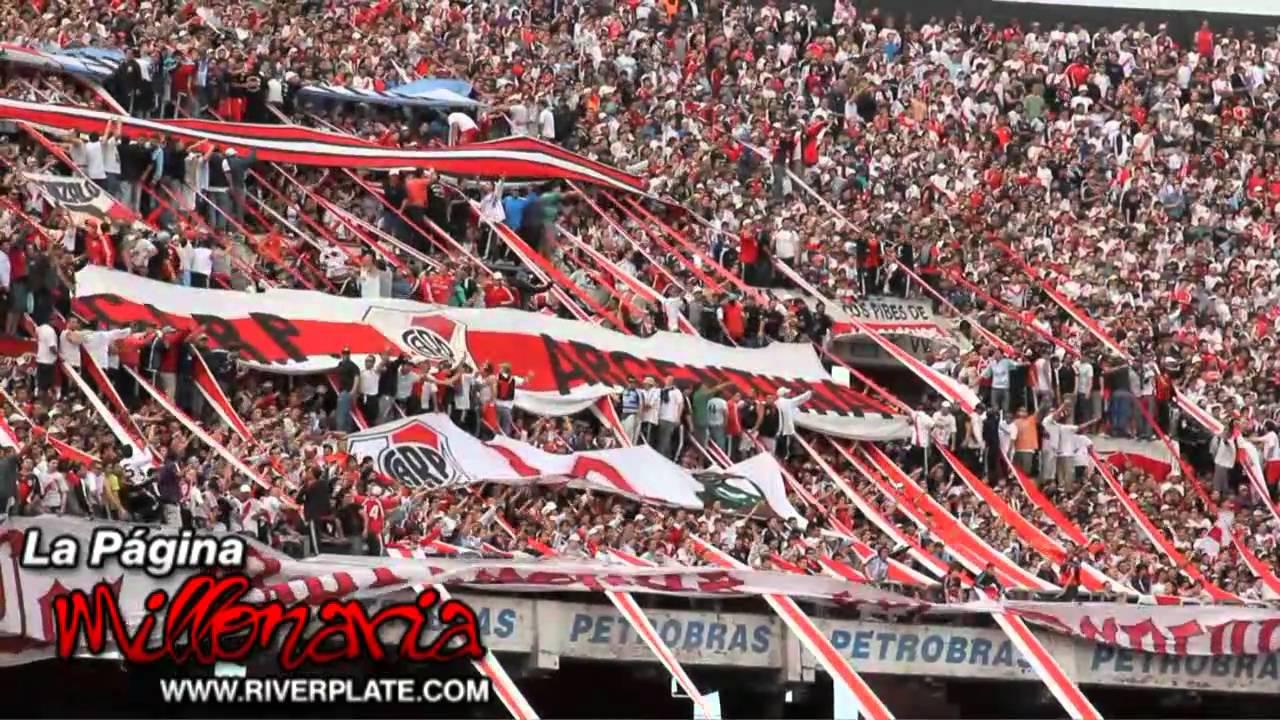 River Vs Racing: Hinchada De River Plate