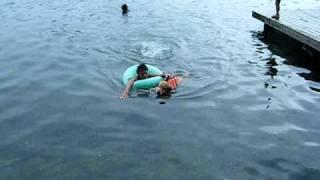 青木湖にて 思い切って飛び込みました・・
