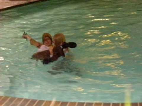 Hetalia cosplay jumps into pool