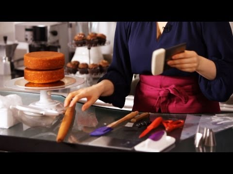 8 Tools You Need For Cake Decorating | Cake Decorating