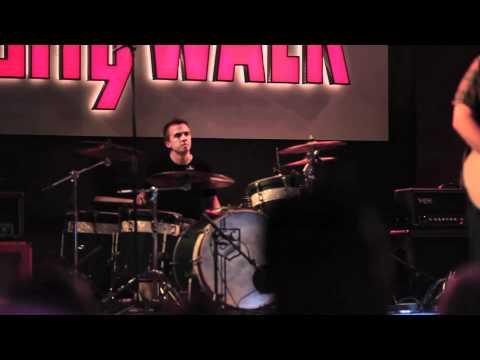 You Hang up Frankie Muniz (live at universal citywalk)