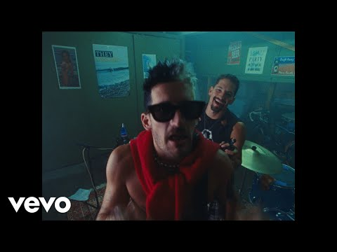 Mau y Ricky - Papás (Official Video)