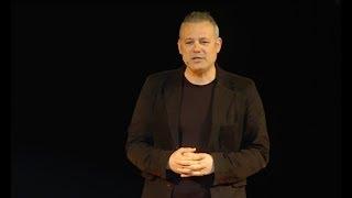 Tiyatro ve Toplum | Levent Üzümcü (Tedx Türkiye)