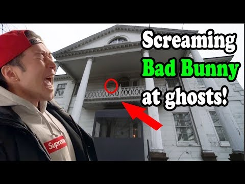 "Screaming BAD BUNNY ""Caro"" At The MOST HAUNTED HOUSE In New York City!!  (Estamos Bien, Caro, Etc)"