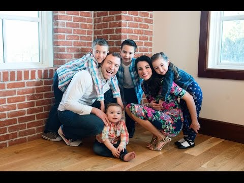 FAMILY PHOTO SHOOT from YouTube · High Definition · Duration:  5 minutes 55 seconds  · 1.000+ views · uploaded on 11-3-2016 · uploaded by The Costa Family