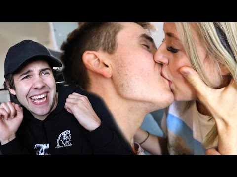 Thumbnail: REACTING TO ROOMMATES CRINGEY MAKEOUT!!