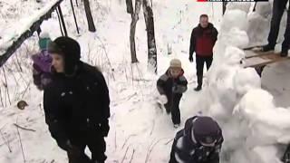 Пущинская молодежь строит снежную крепость(http://www.mosobltv.ru/ Пущинская молодежь самостоятельно, без участия администрации, решила устроить праздник для..., 2014-02-10T08:16:04.000Z)