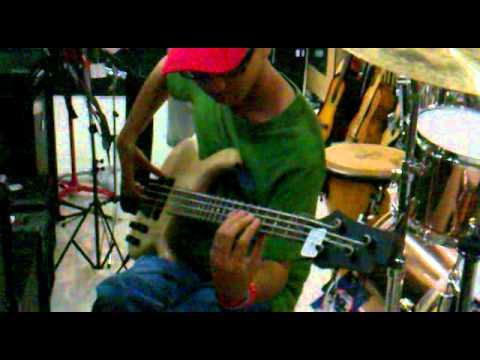 cort artisan b4 bass guitar and markbass little mark iii part 2 youtube. Black Bedroom Furniture Sets. Home Design Ideas