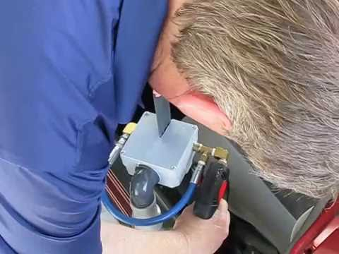 Clean Storm Automotive Seat Belt Cleaning Tool Test 3