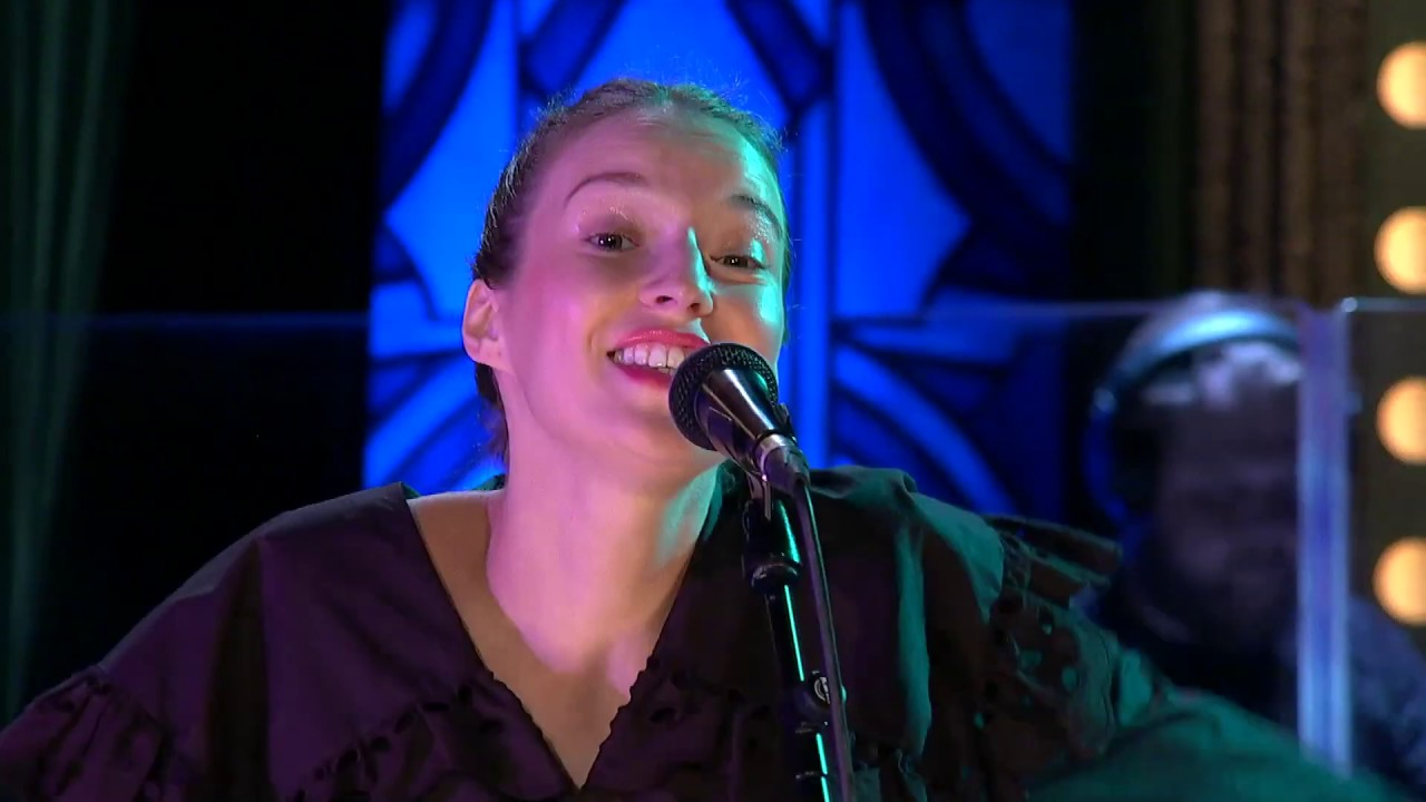 Píseň Dělám stojky, zpěv Berenika Kohoutová - Show Jana Krause 4. 9. 2019