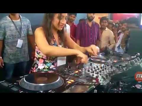 lady playe DJ to IPL MUSIC