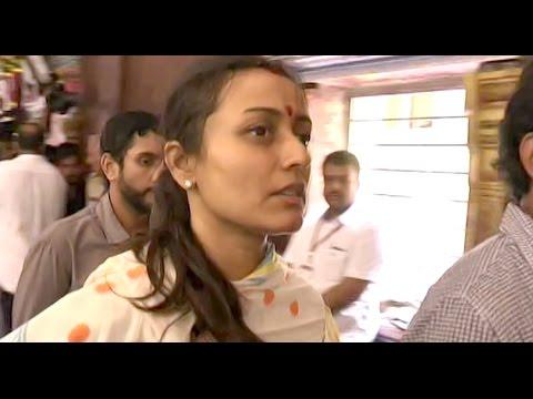 Mahesh wife Namrata Shirodkar Visits Adopted Burripalem Village | Exclusive- MovieBlends