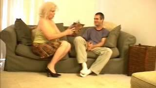 Ssrilankan house wife fuckingg with boys