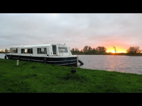 Holland canal boat timelapse 2017